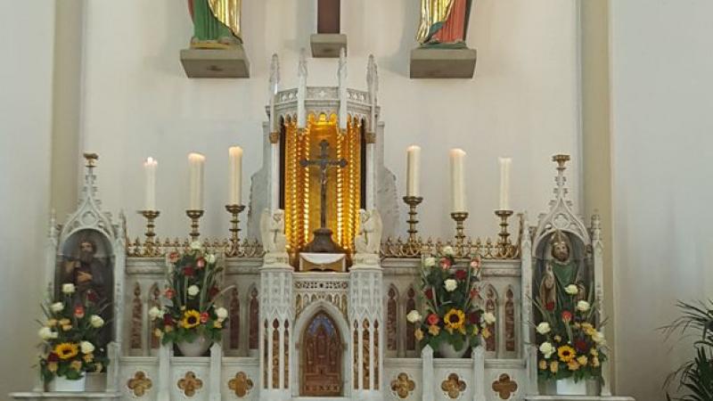 L'autel majeur de l'église de Treyaux